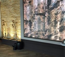 LightStone Echtsteinfurnier für den Innen- und Außenbereich als Wanddekoration im Trocken- und Nassbereich bei MWM Design unter http://design-mwm.de/echtstein-duennschiefer/duennschiefer-transluzent/